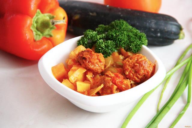 Рецепт Овощное рагу с говяжьими тефтелями рецепт с фото