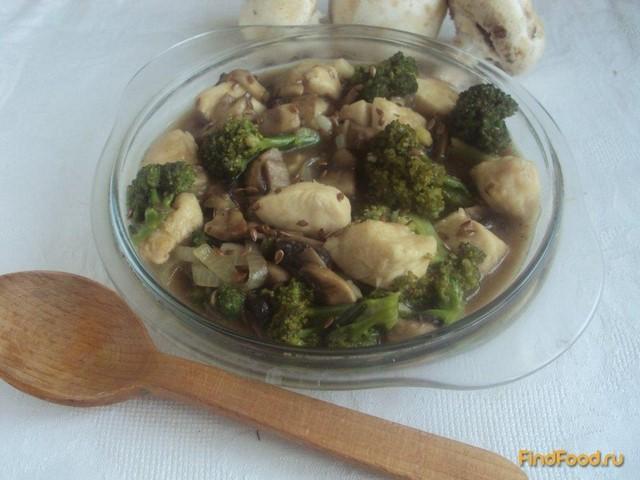Рецепт Брокколи с курицей и грибами рецепт с фото
