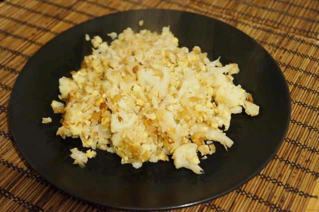 Рецепт Цветная капуста с луком и яйцом рецепт с фото