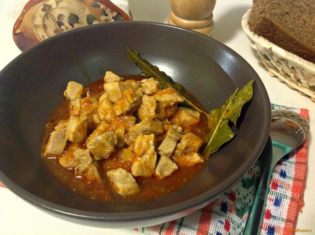 Рецепт Гуляш из свинины с подливкой рецепт с фото