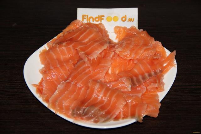 Запеченные роллы с лососем и креветками рецепт с фото 3-го шага