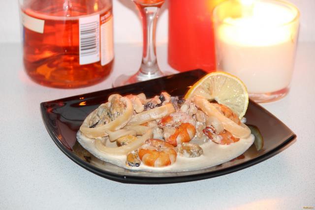 морской коктейль в сливочном соусе рецепты