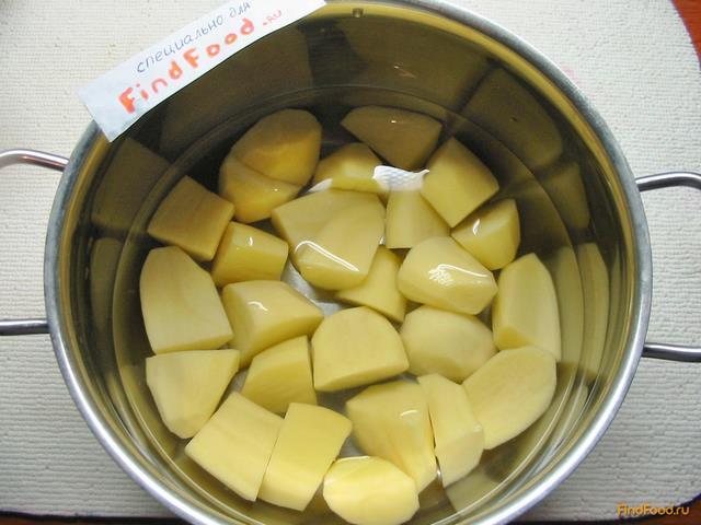 Мясо с грибами в горшочках рецепт с фото 4-го шага