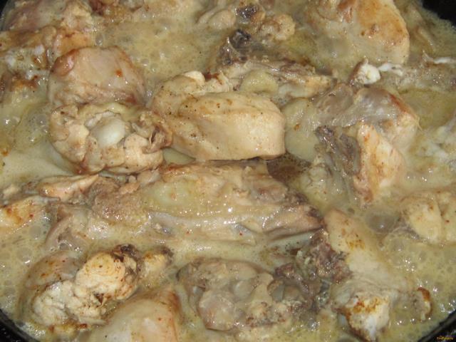 Как приготовить тушеные куриные грудки