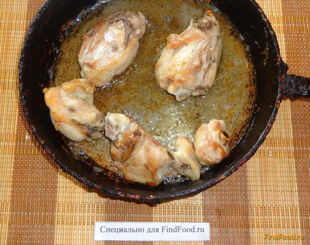 Куриные бедра в сметане рецепт с фото 4-го шага