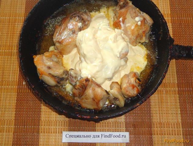 Куриные бедра в сметане рецепт с фото 5-го шага