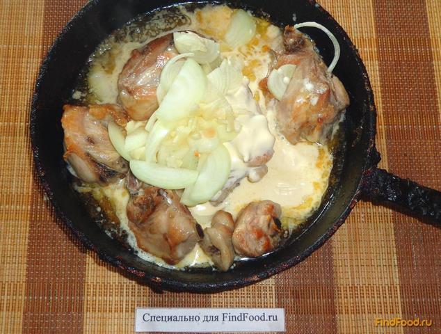 Куриные бедра в сметане рецепт с фото 7-го шага