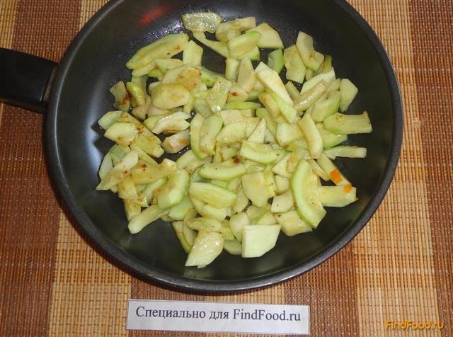 Куриная грудка тушеная с овощами рецепт с фото 11-го шага