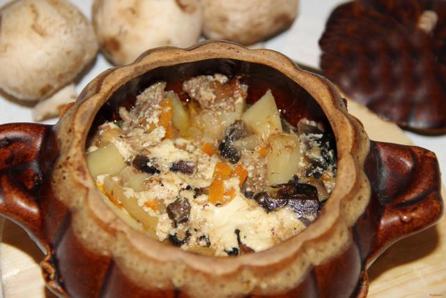 Тушеная картошка горшочках рецепт с фото