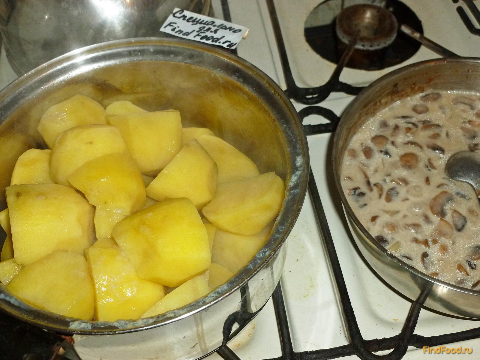 Картошка с грибами и с курицей в горшочках в духовке рецепт пошагово