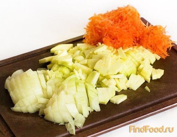Салат из крабовых палочек и чипсами