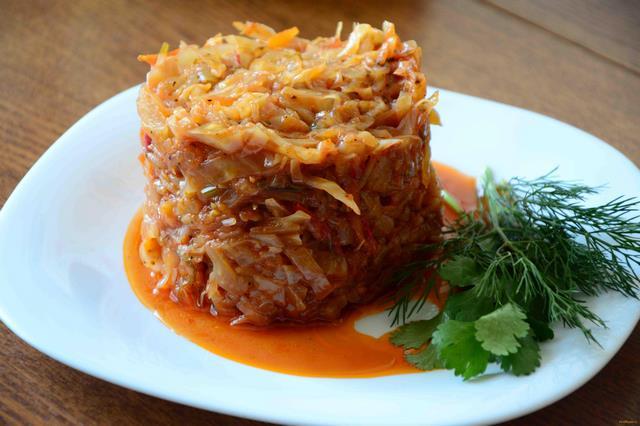 как вкусно потушить капусту на сковороде