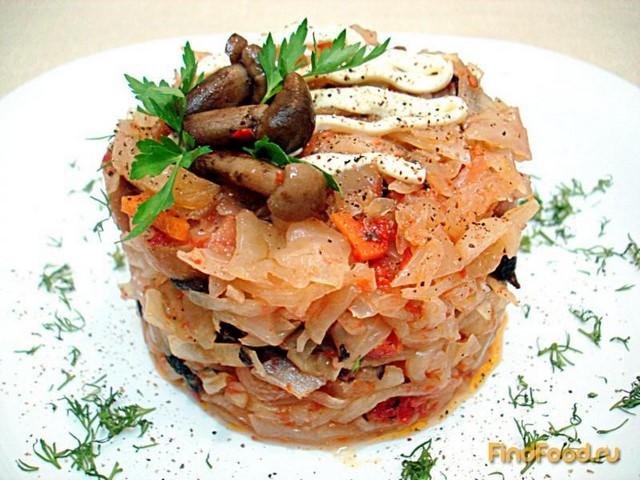 Рецепт Капуста тушёная с грибами и сосисками рецепт с фото