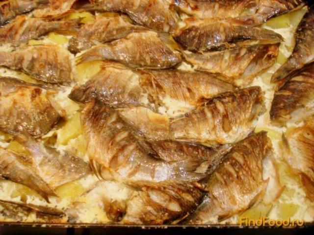 Рецепт Караси запеченные с картофелем рецепт с фото