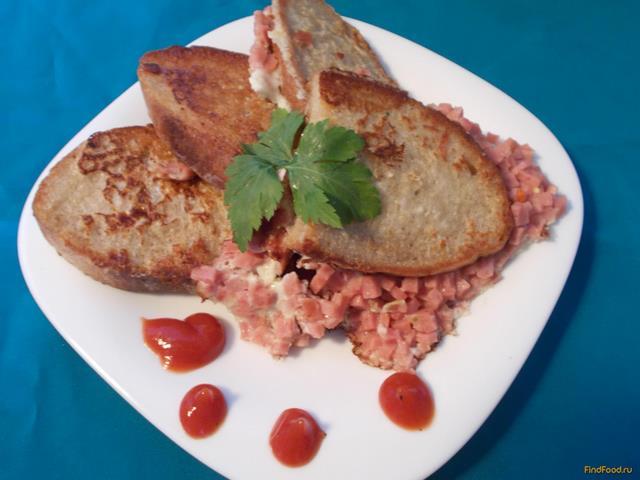 Рецепт Яичные гренки с колбасой рецепт с фото