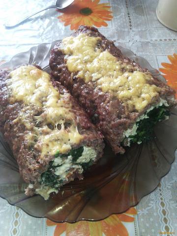 Рецепт Мясной рулет со шпинатом и плавленными сырками рецепт с фото