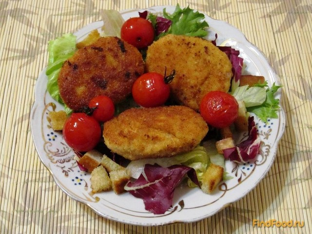 Рецепт Куриные котлетки с помидорами черри и салатом рецепт с фото