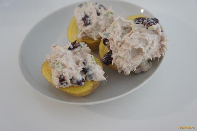 Рецепт Картофель с рыбным салатом рецепт с фото