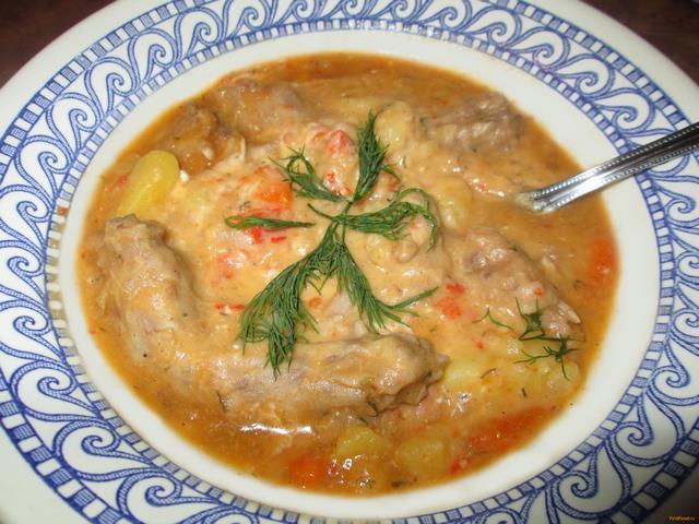 Рецепт Тушеный картофель с куриными шейками и горохом рецепт с фото