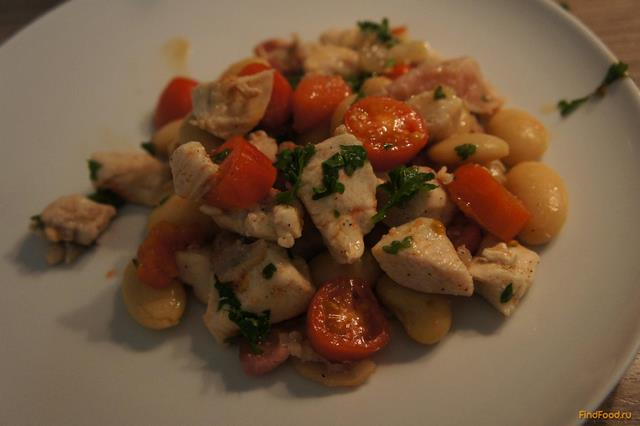 Рецепт Куриное филе с белой фасолью и беконом рецепт с фото