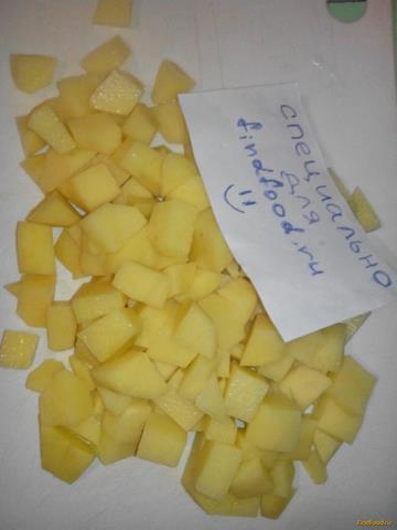Картофель тушеный с овощами и зеленым горохом рецепт с фото 1-го шага