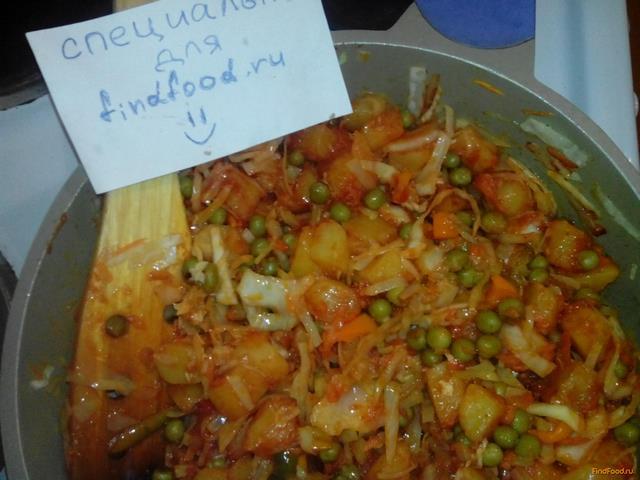Картофель тушеный с овощами и зеленым горохом рецепт с фото 6-го шага