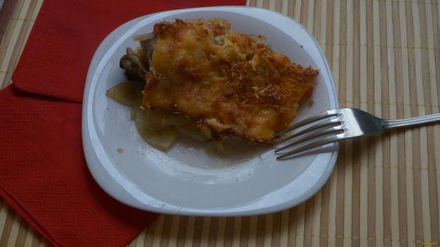 Рецепт Запеканка с куриными бедрышками и копченым сыром рецепт с фото