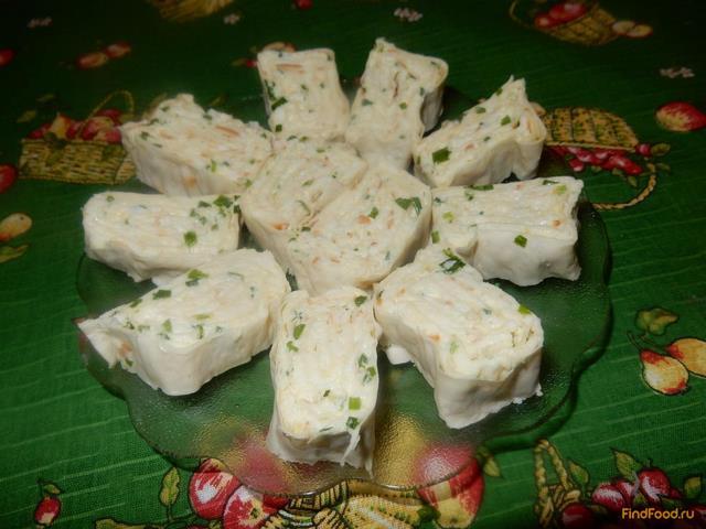 Рецепт Ролл из лаваша с сыром и молодым чесноком рецепт с фото