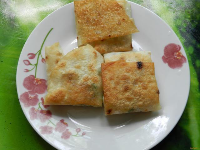 Рецепт Конвертики из лаваша с луком и яйцом рецепт с фото