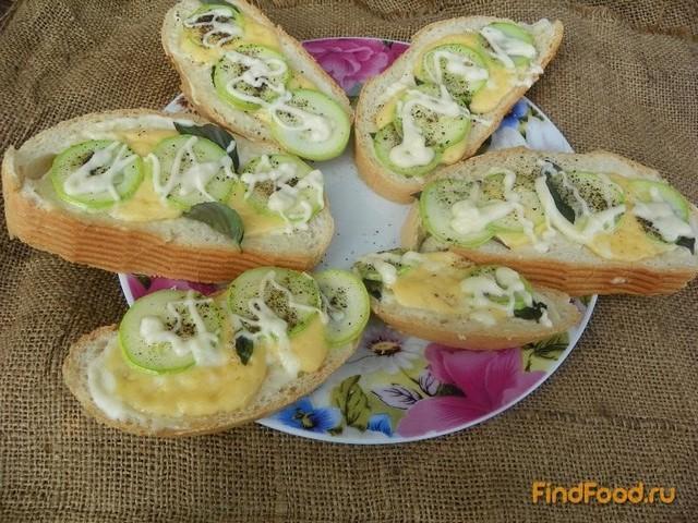 Рецепт Гренки с молодым кабачком и базиликом рецепт с фото
