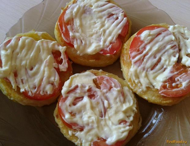 Рецепт Жареные кабачки с помидором и чесночным соусом рецепт с фото
