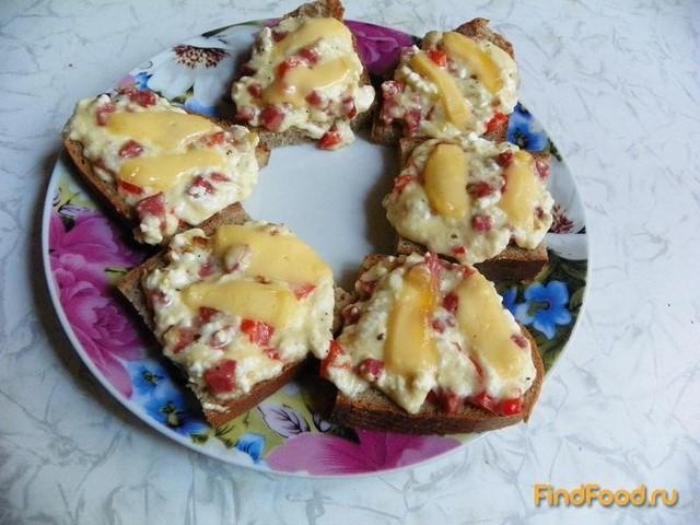 Рецепт Гренки с творогом колбасой и болгарским перцем рецепт с фото