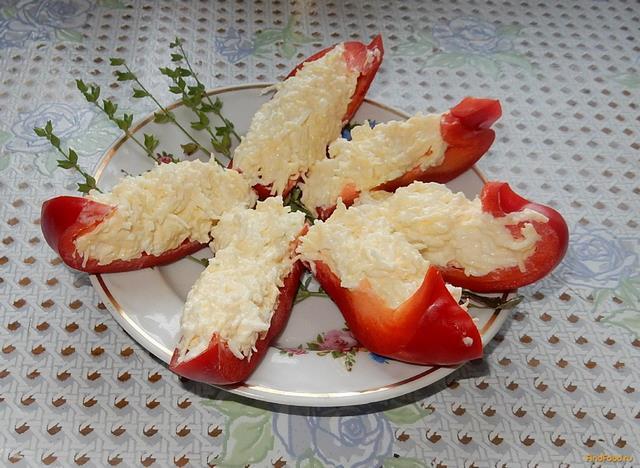 Рецепт Острая закуска из перца и сыра рецепт с фото