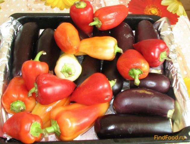 Салат из печеных баклажанов и перца рецепт с фото 1-го шага