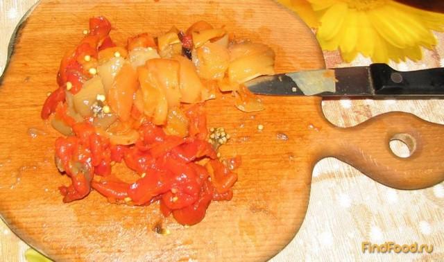 Салат из печеных баклажанов и перца рецепт с фото 4-го шага