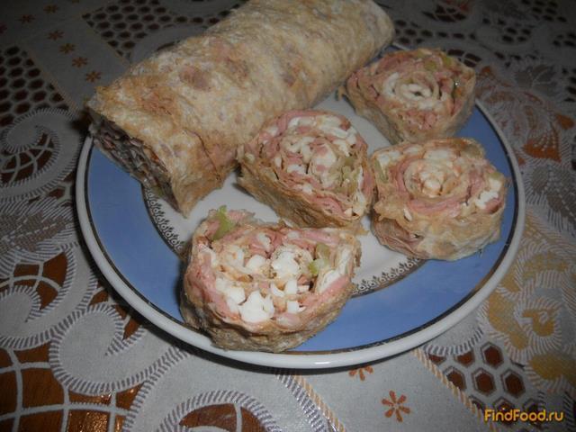 Рецепт Рулет на основе лаваша с колбасой и сельдереем рецепт с фото