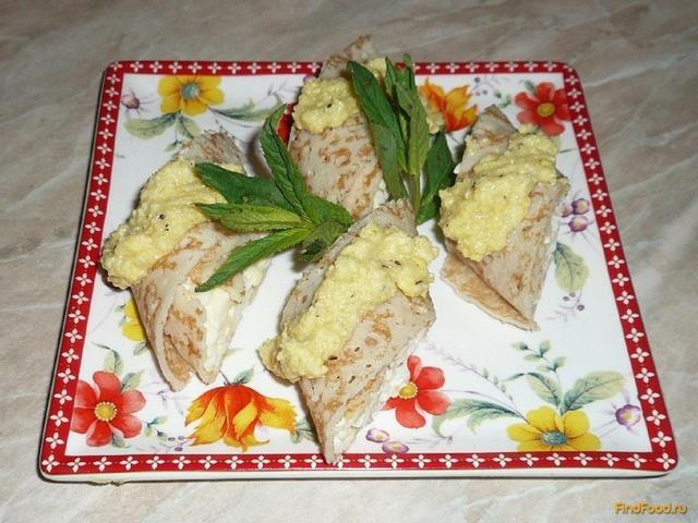 Рецепт Блинчики закусочные с яичным соусом рецепт с фото