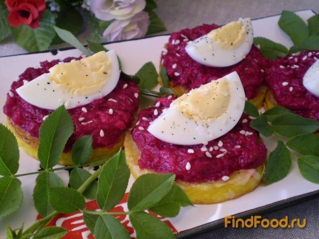 Рецепт Свекольный салат на кабачковой подушке рецепт с фото
