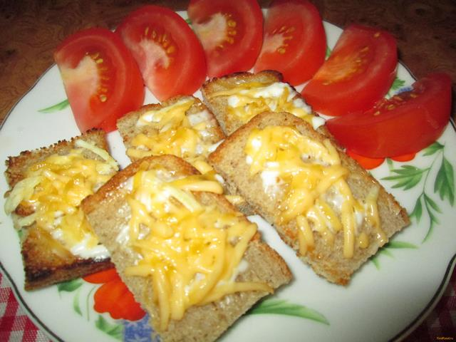 Рецепт Гренки с чесноком и сыром рецепт с фото