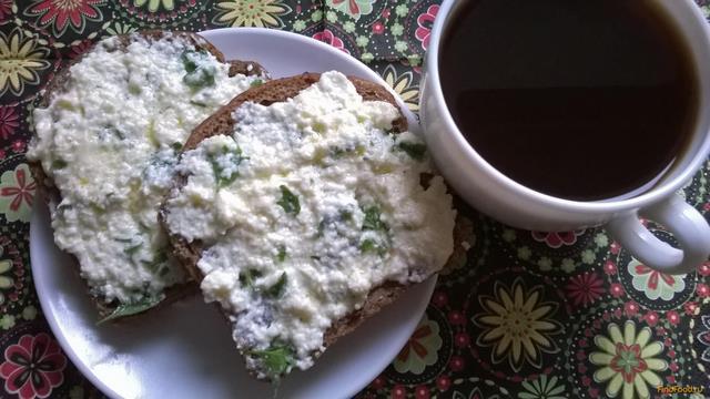 Рецепт Горячие бутерброды с брынзой и зеленью рецепт с фото