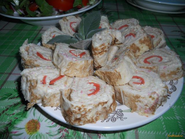 Рецепт Рулет на основе лаваша с крабовым мясом и сыром рецепт с фото