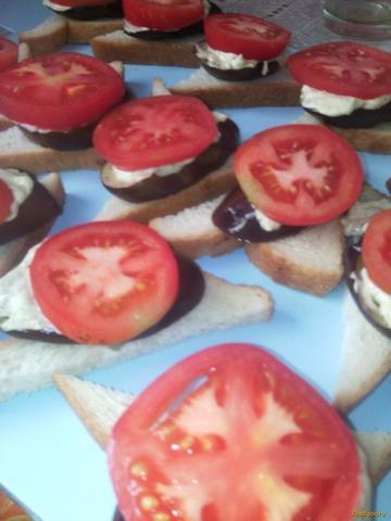 Рецепт Бутерброды с баклажанами и помидорами рецепт с фото