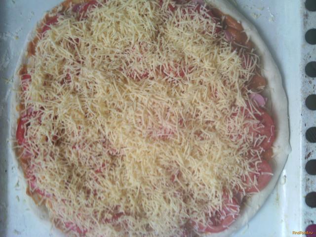 Домашняя пицца с сосисками рецепт с фото 5-го шага