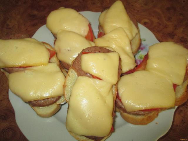 Рецепт Горячие бутерброды с ливерной колбасой рецепт с фото