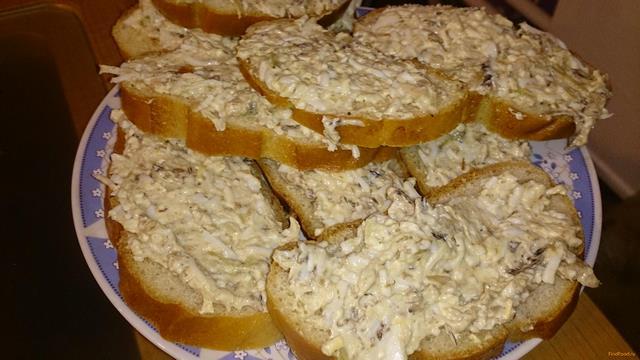 Рецепт закуска бутербродная со шпротами рецепт с фото