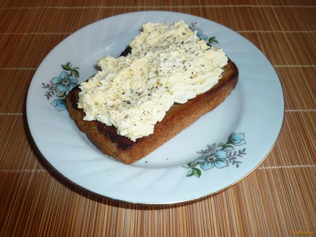 Рецепт Гренки с яйцом и чесноком рецепт с фото