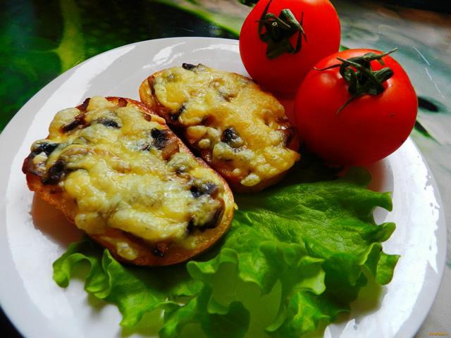 Рецепт Бутерброды с грибами и сыром рецепт с фото